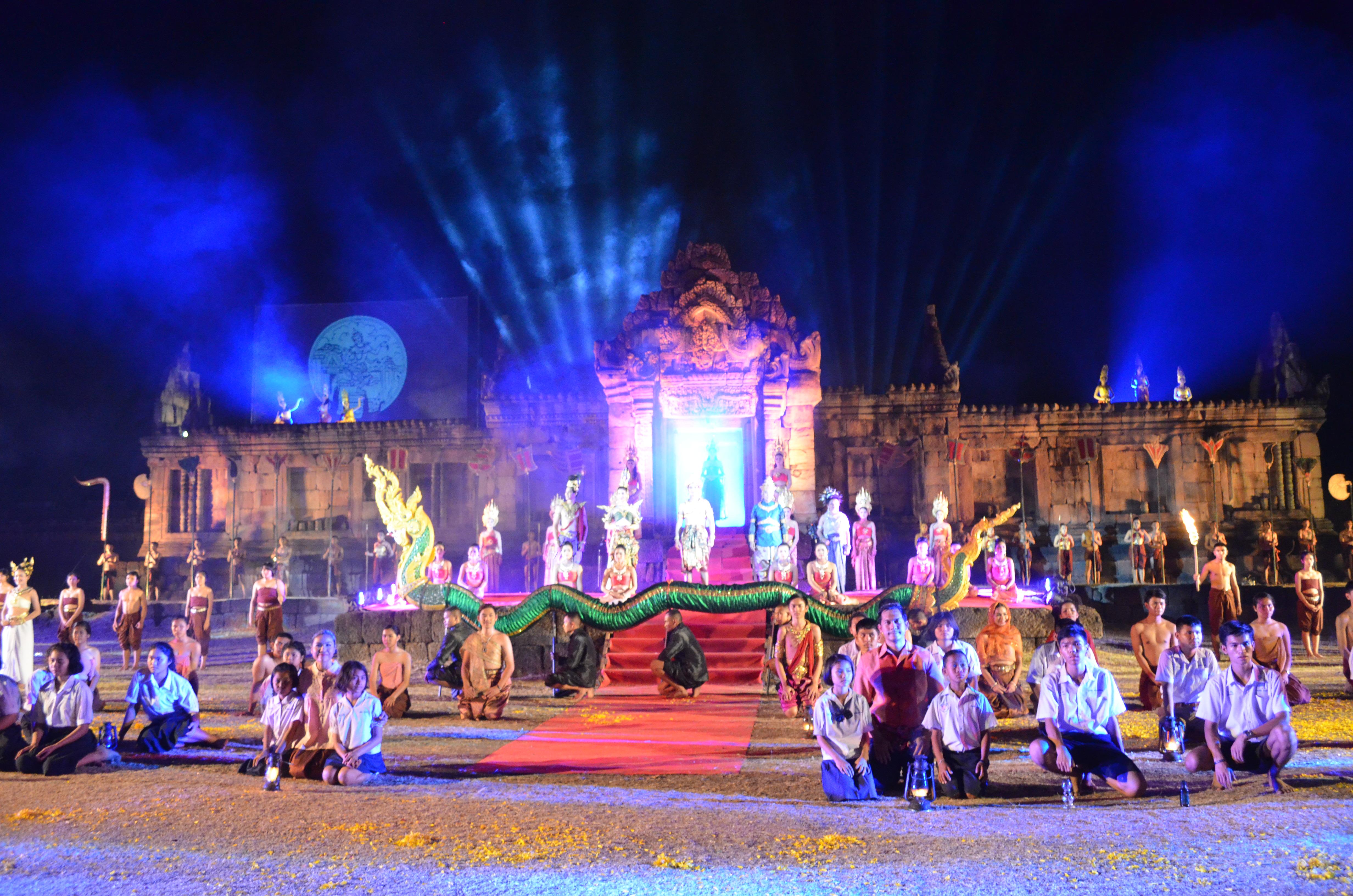 งาน  ปราสาทเมืองต่ำ ตามรอยอารยธรรมขอม  ระหว่างวันที่ ๑๐ - ๑๑ มีนาคม ๒๕๖๐ ณ ปราสาทเมืองต่ำ